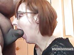 Femme au foyer cornées layla redd souffle un mec qu'elle vient de rencontrer